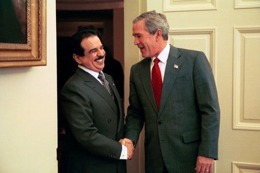 President George W. Bush welcomes His Majesty King Hamad bin Issa Al Khalifa of Bahrain to the Oval Office Monday, Nov. 29, 2004. White House photo by Paul Morse