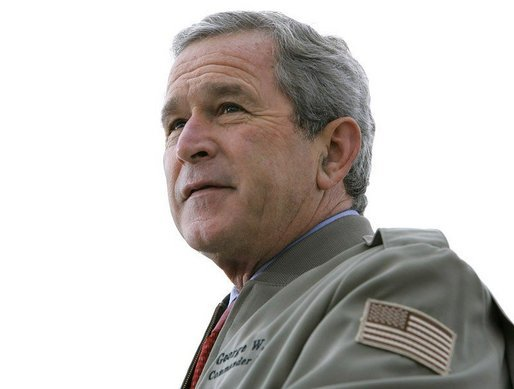 President George W. Bush delivers remarks to military personnel and families at Marine Corps Base Camp Pendleton, Calif., Tuesday, Dec. 7, 2004.White House photo by Eric Draper