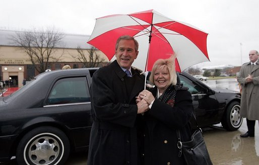 President George W. Bush gets a warm greeting from USA Freedom Corps greeter Connie Bergmann during a visit to Collinsville, Ill., Wednesday, Jan. 5, 2005. White House photo by Paul Morse.