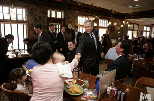 President George W. Bush greets patrons at a coffee shop in Mentor, Ohio, April 15, 2005. White House photo by Paul Morse