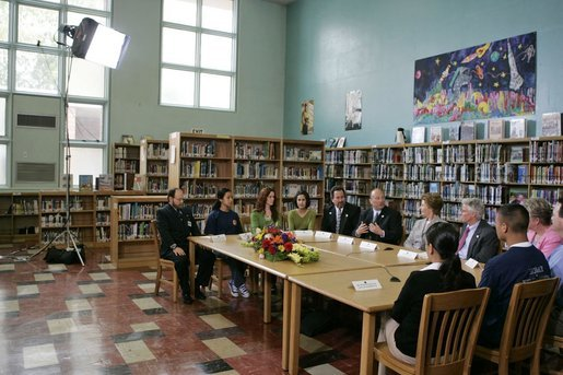 Laura Bush participates in a roundtable discussion while visiting Sun Valley Middle School in Sun Valley, Calif., April 27, 2005. White House photo by Krisanne Johnson
