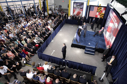 President George W. Bush speaks about energy and economic security to 400 employees and guests at the Calvert Cliffs Nuclear Power Plant in Lusby, Md., Wednesday, June 22, 2005. White House photo by Paul Morse