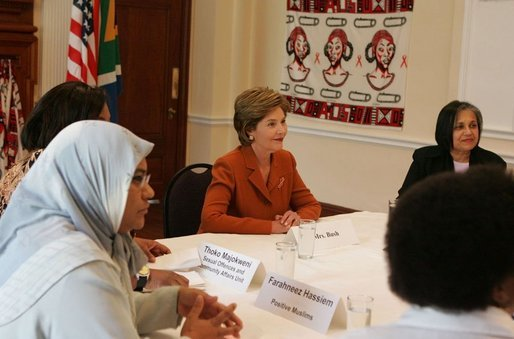 Laura Bush meets with civic leaders at Centre for the Book, an institution established to create a culture of literacy in South Africa, Tuesday, July 12, 2005 in Cape Town. White House photo by Krisanne Johnson