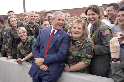 After addressing the Veterans of Foreign Wars national convention, President George W. Bush chats with troops from the Utah National Guard shortly before departing Salt Lake City, Utah, August 22, 2005. White House photo by Paul Morse