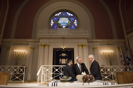 President George W. Bush visits the Sixth and I Historic Synagogue in Washington DC before giving remarks at the National Dinner Celebrating 350 Years of Jewish Life in America on Wednesday September 14, 2005. White House photo by Paul Morse