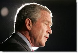 President George W. Bush addresses a meeting of the Council on Foreign Relations, Wednesday, Dec. 7, 2005 in Washington, speaking on the war on terror and the rebuilding of Iraq.  White House photo by Paul Morse