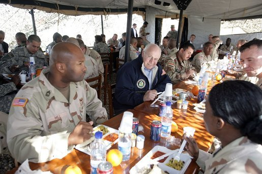 Vice President Dick Cheney has lunch with US and Iraqi troops at the 9th Mechanized Infantry Division Headquarters, a training facility for Iraqi troops, Sunday Dec 18, 2005. White House photo by David Bohrer