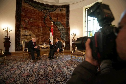 Vice President Dick Cheney and Egyptian President Hosni Mubarak are photographed during a breakfast meeting at Ittihadiyya Palace in Cairo, Tuesday January 17, 2006. The Vice President made the trip to Egypt after his December 2005 visit to the region was cut short in order to return to Washington to carry out his Constitutional duties as President of the Senate and cast a tie-breaking vote on a deficit-reduction bill. White House photo by David Bohrer