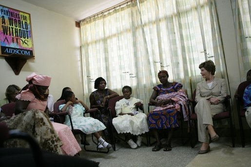 Mrs. Laura Bush visits with patients, their family members and staff at the Korle-Bu Treatment Center Tuesday, Jan. 17, 2006 in Accra, Ghana. White House photo by Shealah Craighead