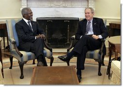 President George W. Bush meets with Secretary-General of the United Nations, Kofi Annan, Monday, Feb. 13, 2006 in the Oval Office of the White House.  White House photo by Kimberlee Hewitt