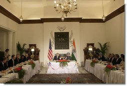 President George W. Bush and Prime Minister Manmohan Singh of India, lead a meeting Thursday, March 2, 2006, with U.S. and Indian CEOs.  White House photo by Eric Draper