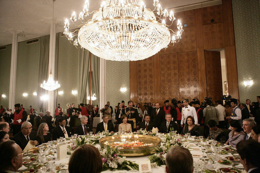 President George W. Bush and Mrs. Laura Bush attend the State Dinner in their honor with with the President of Paksitan, Saturday, March 4, 2006 in Islamabad, Pakistan. White House photo by Eric Draper