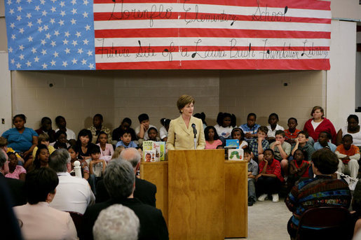 Mrs. Laura Bush, addressing an audience Wednesday, May 3, 2006 at the Gorenflo Elementary School in Biloxi, Miss., announces the distribution of $500,000 in grants for 10 Gulf Coast school libraries made possible by The Laura Bush Foundation for America's Libraries' Gulf Coast School Library Recovery Initiative. White House photo by Kimberlee Hewitt
