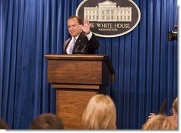 White House Press Secretary Scott McClellan bids farewell to the press pool Friday, May 5, 2006, after delivering his last official briefing at the White House.  White House photo by Shealah Craighead
