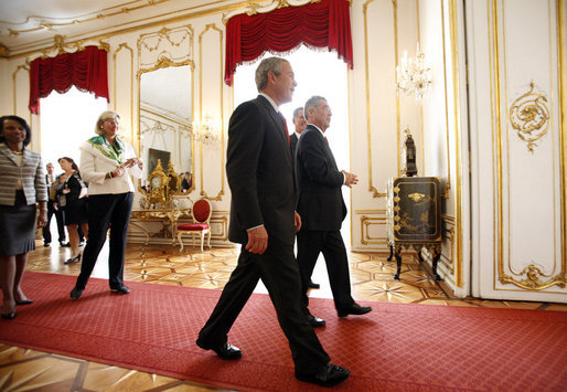 President George W. Bush is welcomed to Hofburg Palace in Vienna Wednesday, June 21, 2006, by Austria's President Heinz Fischer. Following them are U.S. Secretary of State Condoleezza Rice and Ursula Plassnik, Austria's Federal Minister of Foreign Affairs. White House photo by Eric Draper