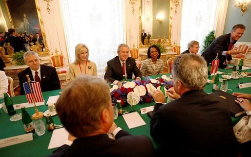 President George W. Bush meets with President Heinz Fischer of Austria, right foreground, Wednesday, June 21, 2006, at the Hofburg Palace in Vienna. Joining the President are, from left: Chief of Staff Joshua Bolten; Susan McCaw, U.S. Ambassador to Austria; Secretary of State Condoleezza Rice; Steve Hadley, National Security Adviser, and White House Press Secretary Tony Snow. White House photo by Eric Draper