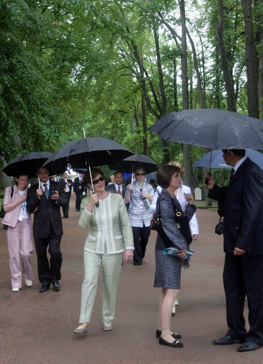 Mrs. Laura Bush participates in a tour of Peterhof Palace in St. Petersburg, Russia, Sunday, July 16, 2006. White House photo by Shealah Craighead