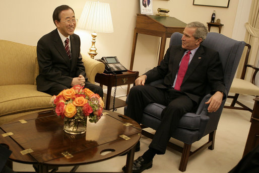 President George W. Bush talks with United Nations Secretary-General Designate Ban Ki-moon of the Republic of Korea Tuesday, Oct. 17, 2006, at the White House. White House photo by Eric Draper