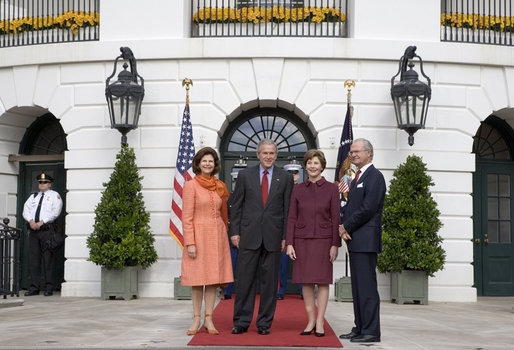 President George W. Bush and Laura Bush welcome Their Majesties King Carl XVI Gustaf and Queen Silvia of Sweden to the White House Monday, Oct. 23, 2006. White House photo by Shealah Craighead
