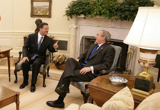 President George W. Bush meets with President Leonel Fernandez of the Dominican Republic in the Oval Office Wednesday, Oct. 25, 2006. White House photo by Eric Draper