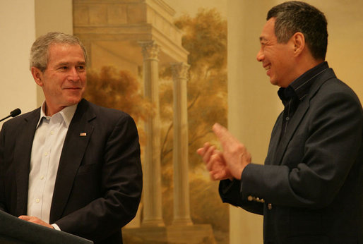"President George W. Bush and Prime Minister Lee Hsien Loong of Singapore deliver remarks during a dinner Thursday, November 16, 2006. The President congratulated the people of Singapore ""for being such a vivid example of enterprise and markets and hard work."" White House photo by Shealah Craighead"