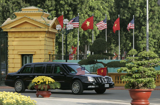 The limousine carrying President George W. Bush and Mrs. Laura Bush arrives at the Presidential Palace in Hanoi Friday, Nov. 17, 2006. The arrival in Vietnam of President Bush marks only the second time a U.S. president has visited the country. White House photo by Paul Morse