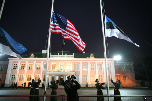 The American flag is raised outside the Kadriorg Palace in Tallinn, Estonia Tuesday morning, Nov. 28, 2006, during the arrival ceremony welcoming President George W. Bush. White House photo by Paul Morse
