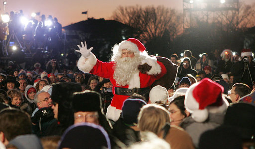 Santa Claus arrives Thursday evening, Dec. 7, 2006, for the 2006 Christmas Pageant of Peace and lighting of the National Christmas Tree on the Ellipse in Washington, D.C. White House photo by Kimberlee Hewitt