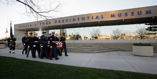 A military honor guard carries the casket of former President Gerald R. Ford during interment ceremonies on the grounds of the Gerald R. Ford Presidential Museum in Grand Rapids, Mich., Wednesday, January 3, 2007. White House photo by David Bohrer