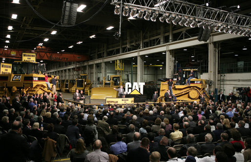 President George W. Bush speaks to workers at the Caterpillar Inc. facility in East Peoria, Ill., Tuesday, Jan. 30, 2007, on the strength and continued growth of the U.S. economy. White House photo by Paul Morse