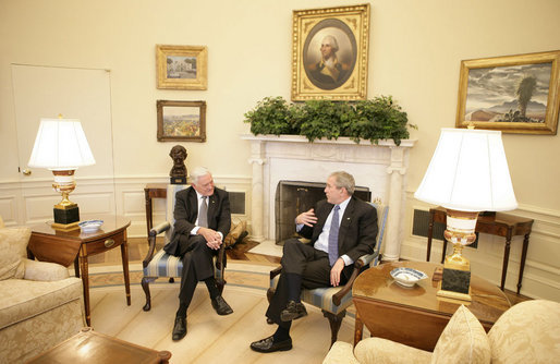 President George W. Bush and President Valdas Adamkus of Lithuania meet Monday, Feb. 12, 2007, in the Oval Office of the White House. White House photo by Eric Draper
