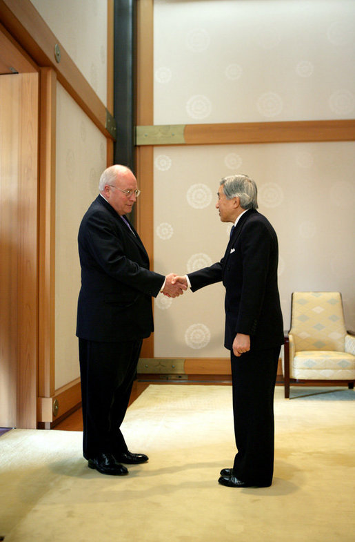 Vice President Dick Cheney is greeted Wednesday, Feb. 21, 2007, by Japan's Emperor Akihito at the Imperial Palace in Tokyo. White House photo by David Bohrer