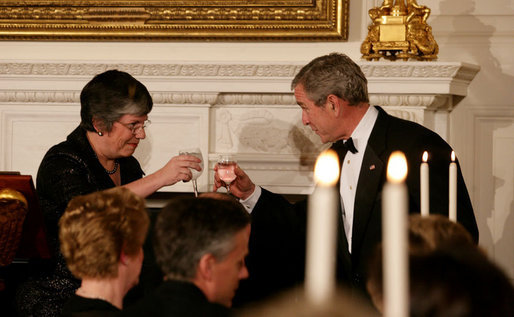 President George W. Bush offers a toast to Arizona Governor Janet Napolitano at the White House Sunday evening, Feb. 25, 2007, during the State Dinner in honor of the Nation's Governors. White House photo by Shealah Craighead