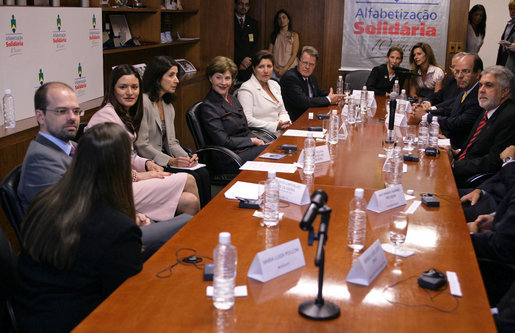 Mrs. Laura Bush takes part in a roundtable discussion at AlfaSol Literacy program Friday, March 9, 2007, in Sao Paolo, Brazil. Students who complete the literacy program are eligible to enter Brazil's Youth and Adult Education (YAE) national program, which offers skills training for specific employment opportunities. White House photo by Shealah Craighead