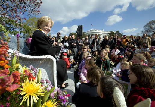 "Mrs. Lynne Cheney reads from her book, ""America: A Patriotic Primer,"" Monday, April 9, 2007 at the 2007 White House Easter Egg Roll on the South Lawn. White House photo by David Bohrer"