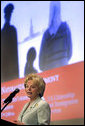 Mrs. Lynne Cheney addresses a group of naturalized American citizens during a special naturalization ceremony at the National Archives Tuesday, April 17, 2007, in Washington, D.C.