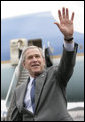 President George W. Bush waves upon arrival Thursday, April 19, 2007, at Dayton International Airport in Dayton, Ohio, where he delivered remarks on the global war on terror. White House photo by Eric Draper