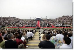 Some of the estimated 10,000 people, including 635 graduates, are in attendance Saturday, April 28, 2007, for the commencement ceremonies at Pepperdine University's Seaver College in Malibu, California. Mrs. Laura Bush delivered the commencement speech to the graduates and also was the recipient of Pepperdine's Honorary Doctor of Laws degree.  White House photo by Shealah Craighead