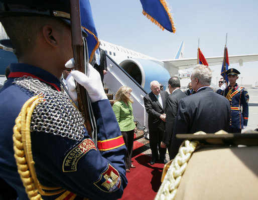 Vice President Dick Cheney and his daughter, Liz Cheney, are greeted by Egyptian officials upon their arrival Sunday, May 13, 2007, to Cairo, where the Vice President held one-on-one meetings with Egyptian President Hosni Mubarak and Field Marshal Mohamed Hussein Tantawi. White House photo by David Bohrer
