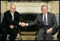 President George W. Bush and Prime Minister Fredrik Reinfeldt of Sweden meet with the press in the Oval Office Tuesday, May 15, 2007. White House photo by Eric Draper