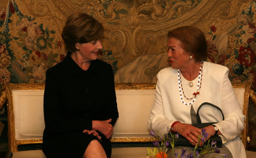 Mrs. Laura Bush and Mrs. Clio Maria Napolitano share a moment during coffee Saturday, June 9, 2007, as their husbands, President George W. Bush and President Giorgio Napolitano of Italy, met at Quirinale Palace in Rome. White House photo by Shealah Craighead