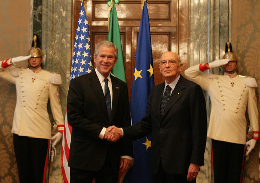 President George W. Bush is greeted by President Giorgio Napolitano of Italy as the President and Mrs. Laura Bush visited Quirinale Palace in Rome Saturday, June 9, 2007. White House photo by Eric Draper