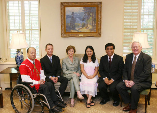 Mrs. Laura Bush meets with members of the Burma Ethnic Nationalities Council delegation Tuesday, June 12, 2007 at the White House, to discuss the current conditions in Burma. While in Washington D.C., the delegation also met with officials at the U.S. Department of State and members of Congress. From left to right are Stephen Dun, foreign relations advisor to the Executive Committee of the Karen National Union; David Eubank, director of Burma Initiative; Naw K'nyaw Paw, member for Karen State, Ethnic Nationalities Council; Lian H. Sakhong, general-secretary, Ethnic Nationalities Council and Congress Joseph R. Pitts of Pennsylvania. White House photo by Shealah Craighead