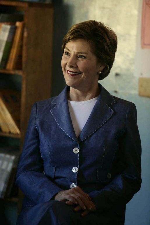 Mrs. Laura Bush visits a classroom at the Regiment Basic School Thursday, June 28, 2007, in Lusaka, Zambia. The school has 1,200 students, 300 of which are orphans. White House photo by Shealah Craighead