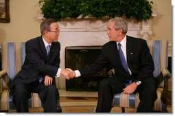 President George W. Bush welcomes United Nations Secretary General Ban Ki-moon to the Oval Office Tuesday, July 17, 2007, where they discussed the issues of Darfur, plans for an upcoming Middle East conference, also United Nation plans in Afghanistan and Iraq. White House photo by Eric Draper
