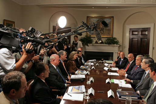 "President George W. Bush makes a statement to the press during a meeting with his economic team Friday, July 27, 2007, in the Roosevelt Room. ""Job growth has been strong, and that's what you'd expect when our economy is strong and resilient and flexible. People working, unemployment rate is down, wages are increasing,"" said President Bush. White House photo by Joyce N. Boghosian"