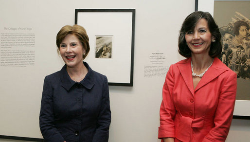 Mrs. Laura Bush and Mrs. Náda P. Simonyi, wife of Hungarian Ambassador András Simonyi, talk to members of the media after they viewed photographs Wednesday, Aug. 1, 2007, at the National Gallery of Art exhibit, FOTO: Modernity in Central Europe, 1918-1945. White House photo by Joyce N. Boghosian