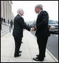 President George W. Bush is welcomed to the Pentagon by U.S. Secretary of Defense Robert Gates Friday, Aug. 31, 2007, at the Pentagon in Arlington, Va., to attend U.S. Department of Defense briefings. White House photo by David Bohrer