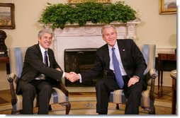 President George W. Bush meets with Portugal's Prime Minister Jose Sócrates in the Oval Office, Monday, Sept. 17, 2007. President Bush congratulated Prime Minister Sócrates, who will serve as President-in-Office of the Council of the European Union for the second half of 2007. White House photo by Eric Draper