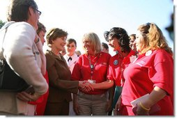 Mrs. Laura Bush meets with several women from military support organizations Tuesday, Sept. 18, 2007, on the South Lawn. White House photo by Shealah Craighead